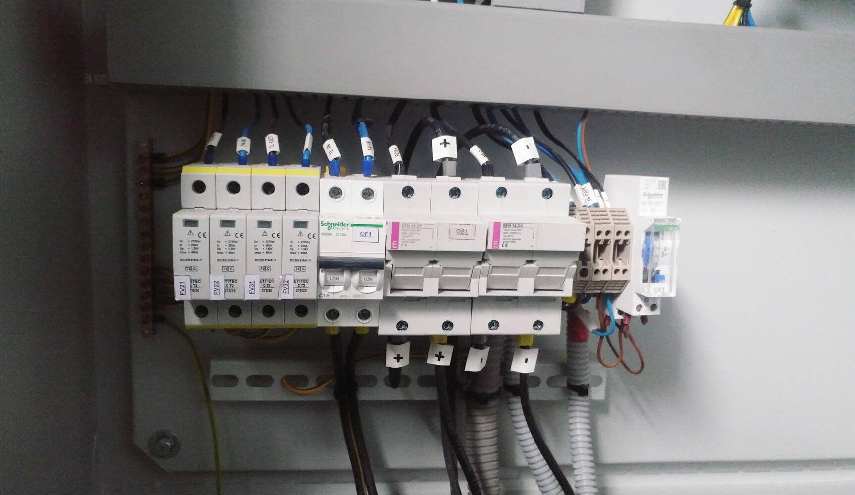 Блок автоматических выключателей для управления автономным освещением